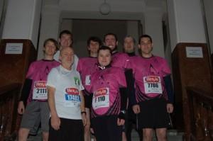 Společné foto účastníků pražského ½ maratonu